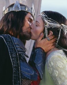 kiss-aragorn-and-arwen-3152314-350-447